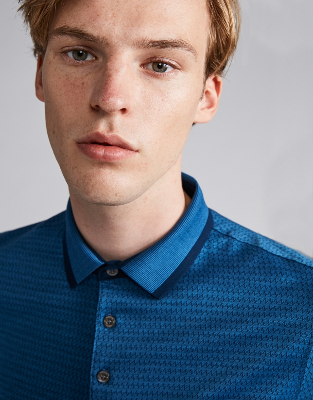 Blue jacquard polo with pinstripe collar