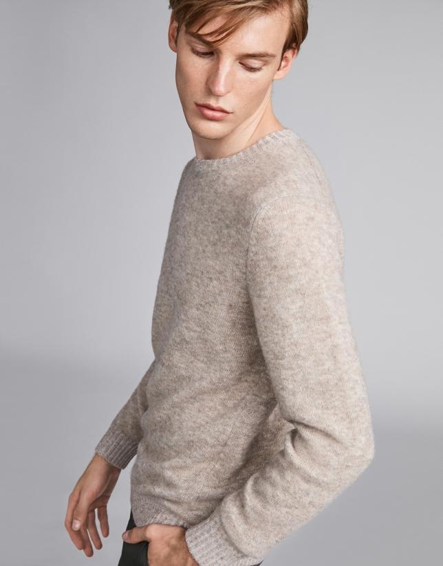 Pull en laine col dégagé vison