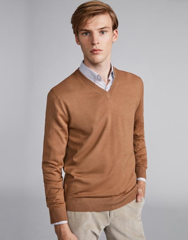 Cámel wool V-neck sweater