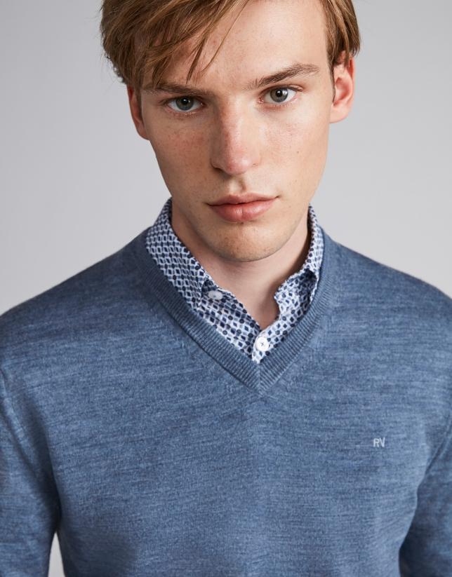Indigo wool V-neck sweater
