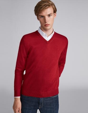 Pull col V en laine rouge