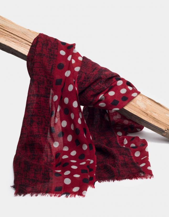 Fular con doble estampado de color rojo