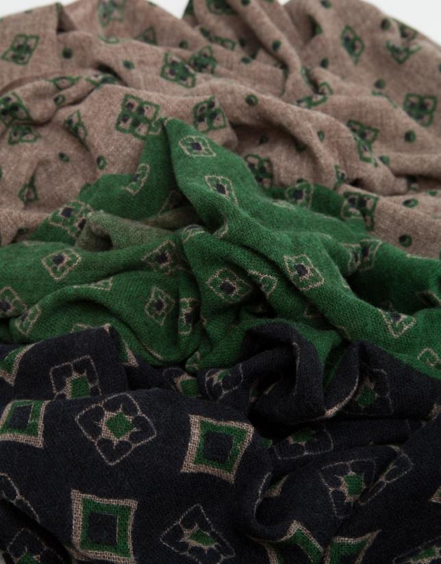 Fular con paneles estampados en marino, verde y visón