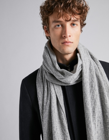 Light gray wool, structured checked scarf
