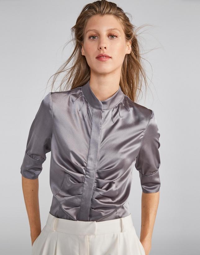 Blusa satén gris