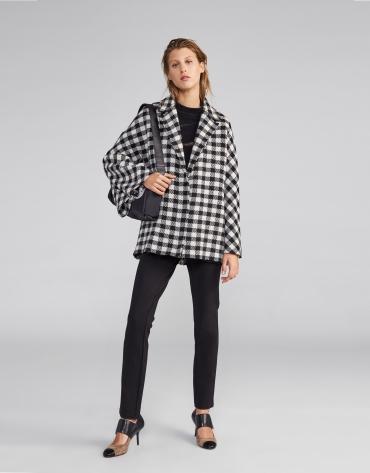 Manteau cape en laine à carreaux noir et blanc