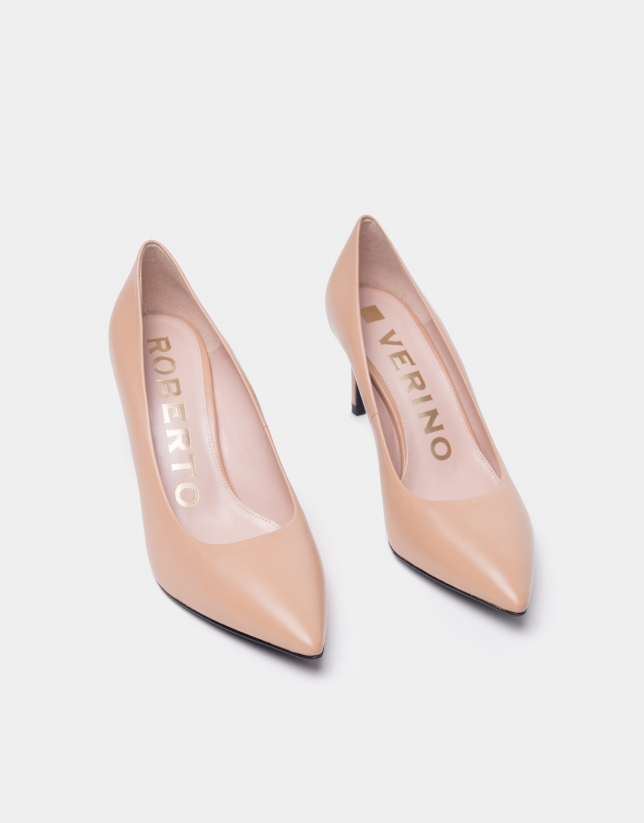 Beige leather high-heeled pumps