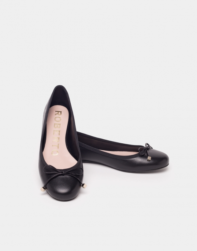 Ballerine en cuir noire