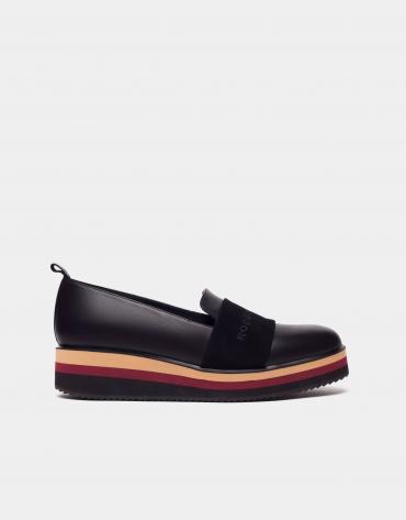 Multicolor platform sports shoe