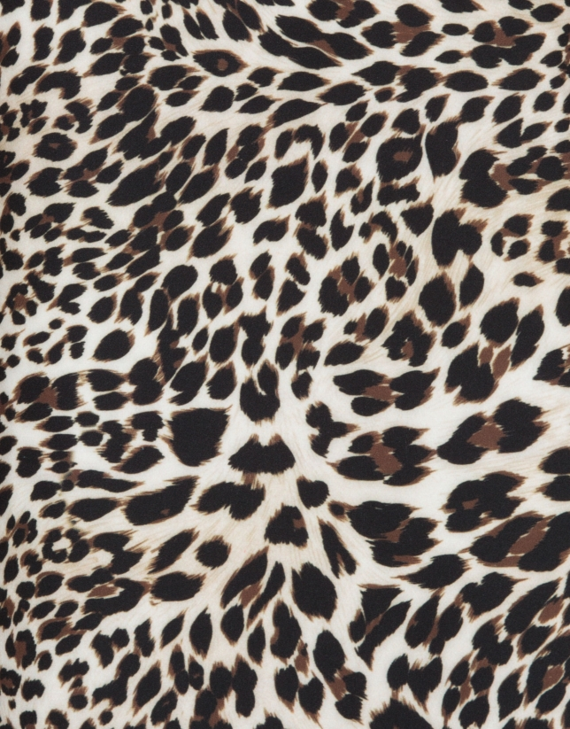 Vestido corte recto estampado animal print
