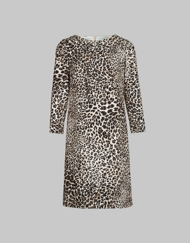 Vestido corte recto estampado animal print