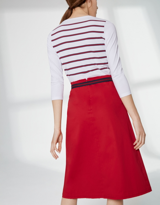Jupe couleur coquelicot avec pli devant