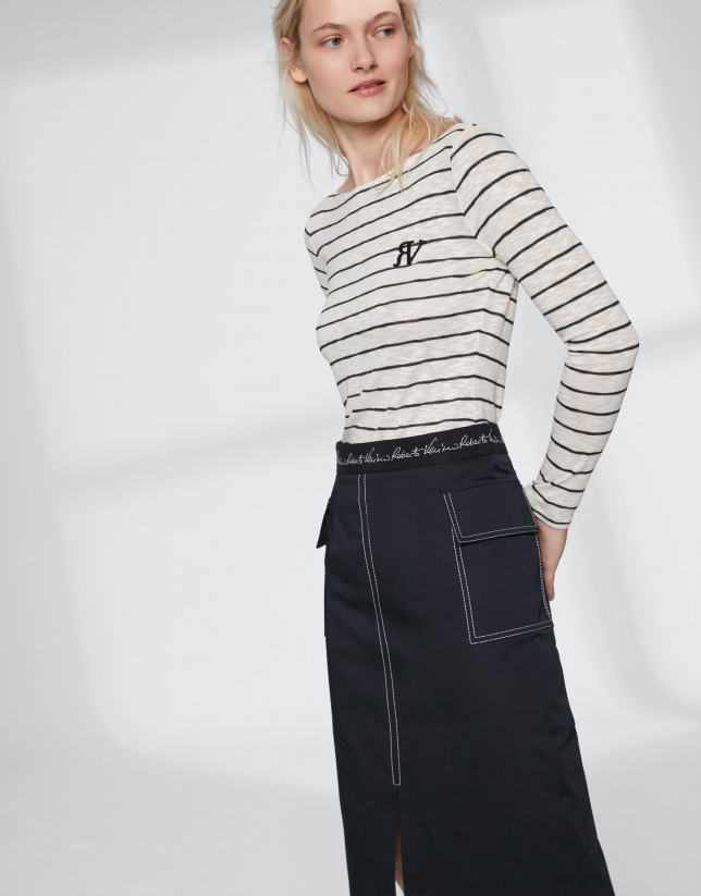 Falda midi azul con abertura central