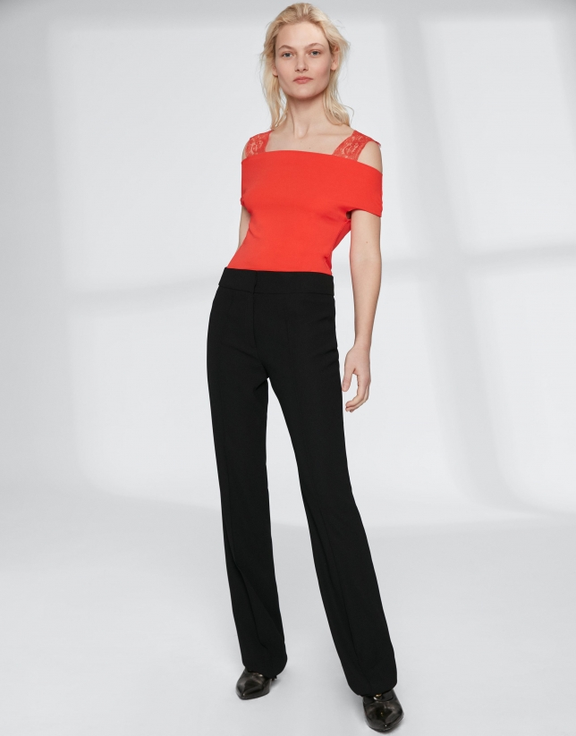Black straight pants without pockets