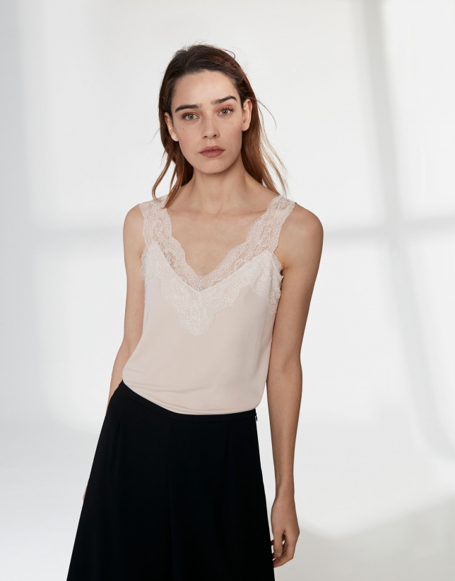 Camel top with lace