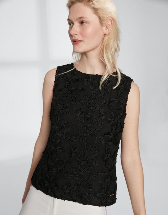 Top en voile de coton noir brodé