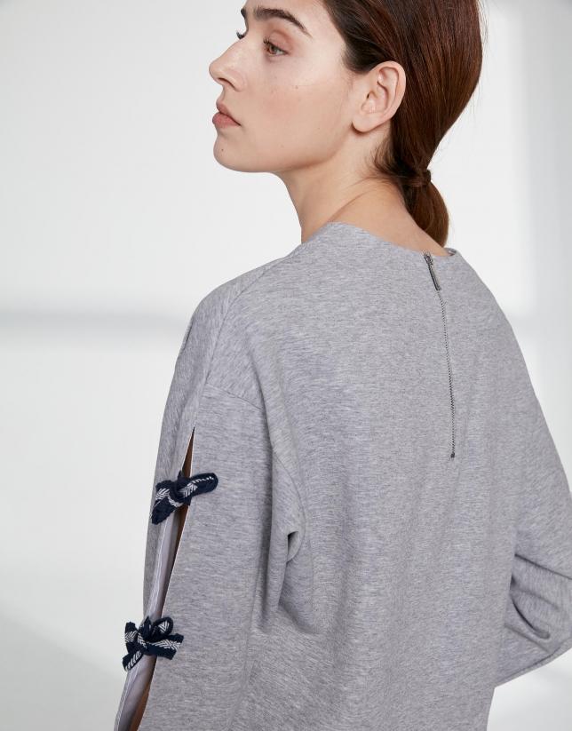 Gray sweatshirt with side slit