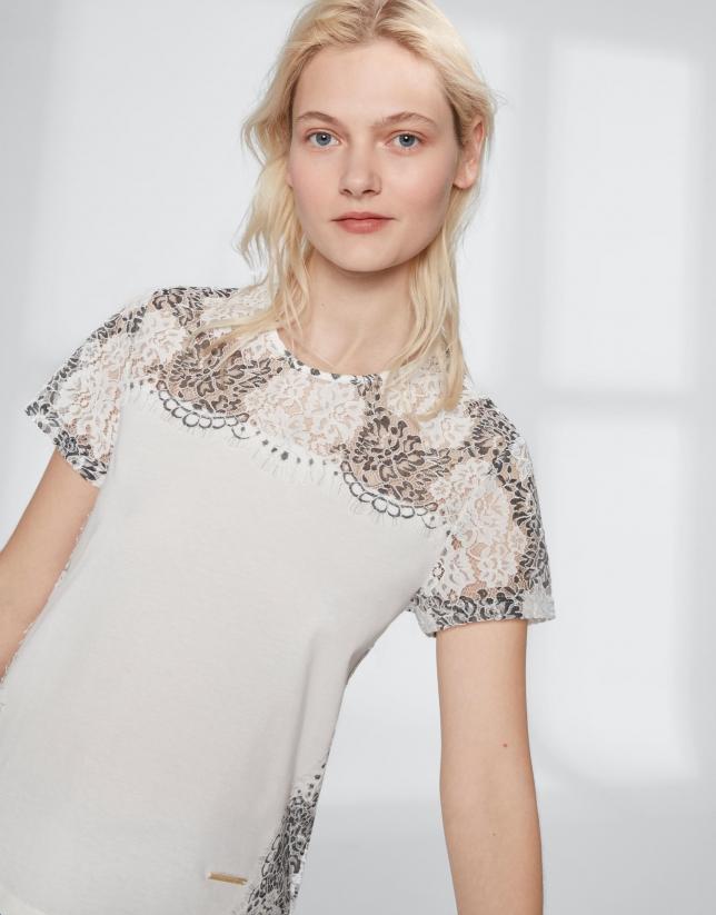 Camiseta blanca con encaje