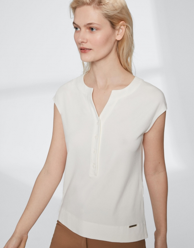 8558985216b9bd White top with V-neck - Woman - SS2019