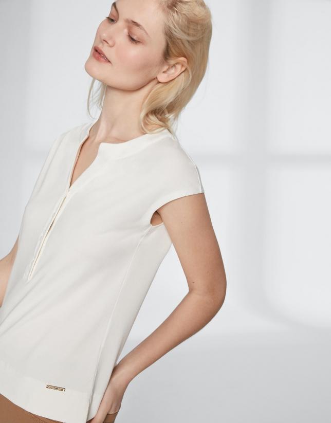 Camiseta escote pico blanca