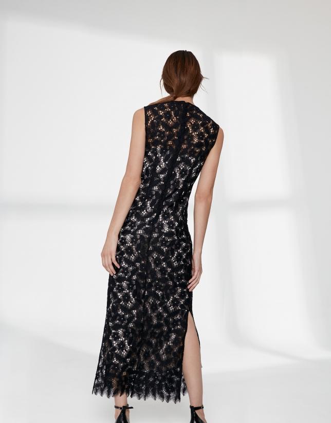 Robe longue en dentelle noire