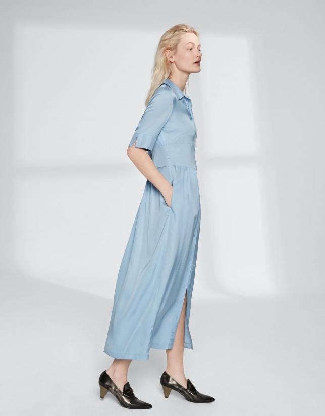 Robe chemisier bleue, longue et fluide
