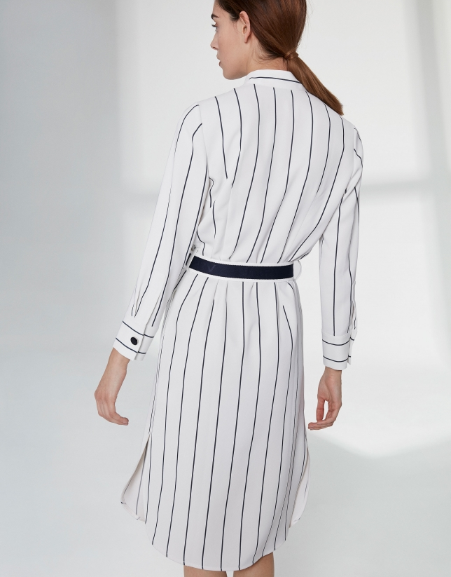 Robe chemisier blanche à rayures bleues