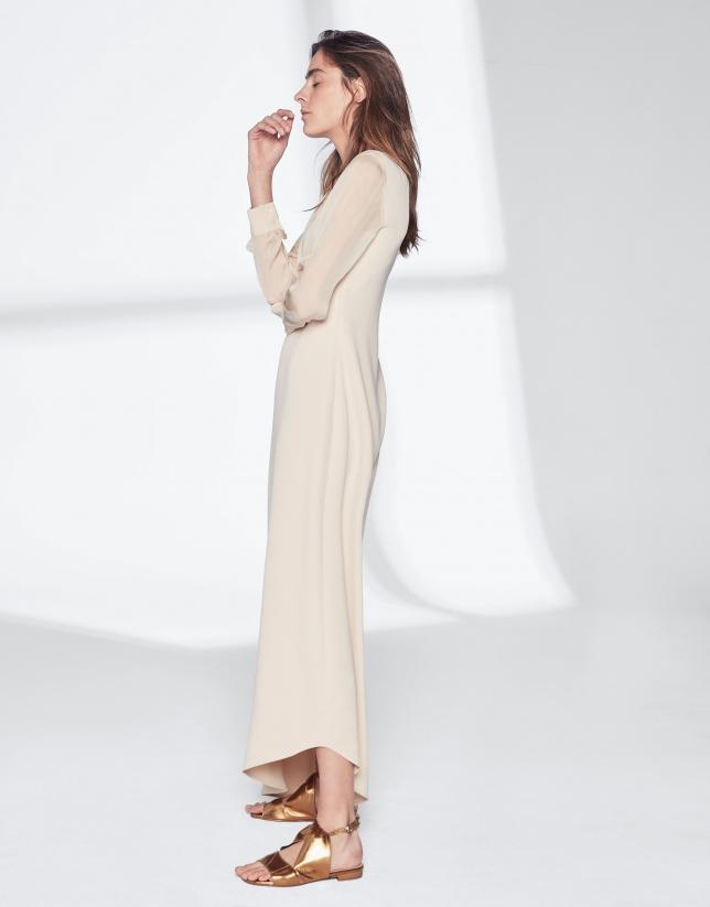 Robe asymétrique couleur sable