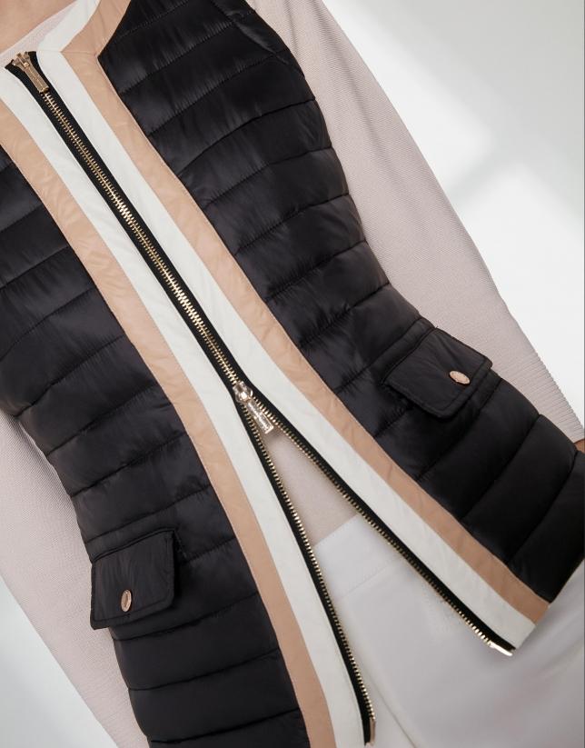 Chaleco acolchado negro contraste beige