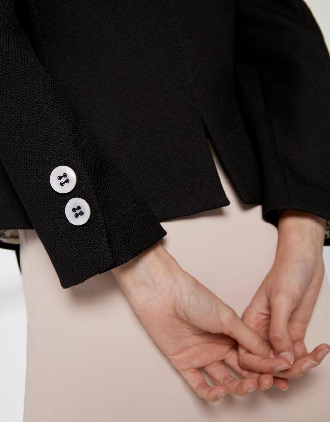 Veste courte noire en jacquard