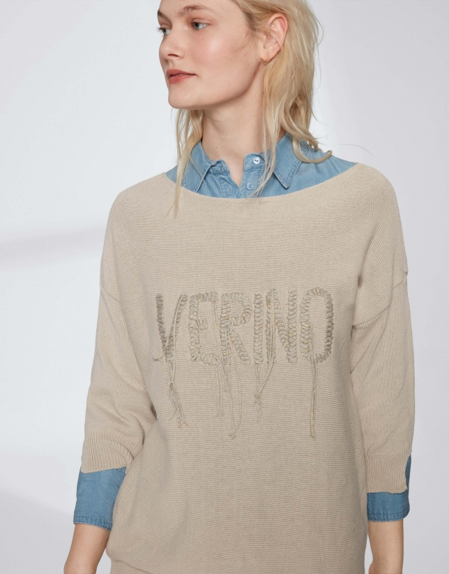 Hazelnut sweater with embroidered Verino logo