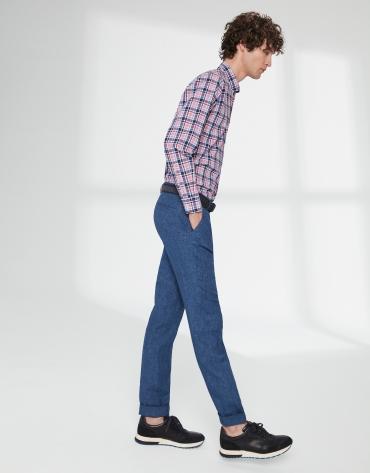 Pantalón chino con pinza lino azul
