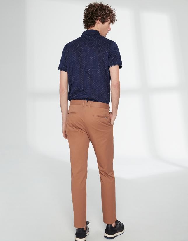 Pantalón chino básico algodón marrón