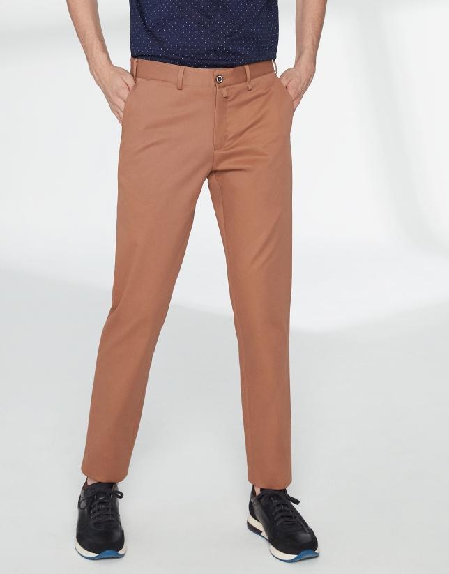 Pantalon chino basique en coton camel