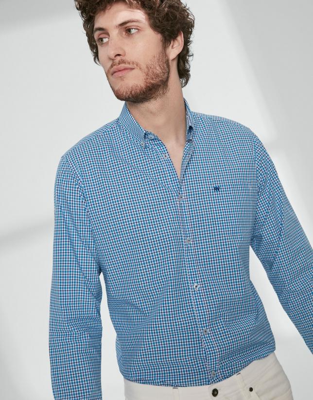 Chemise décontractée à carreaux dans les tons bleus