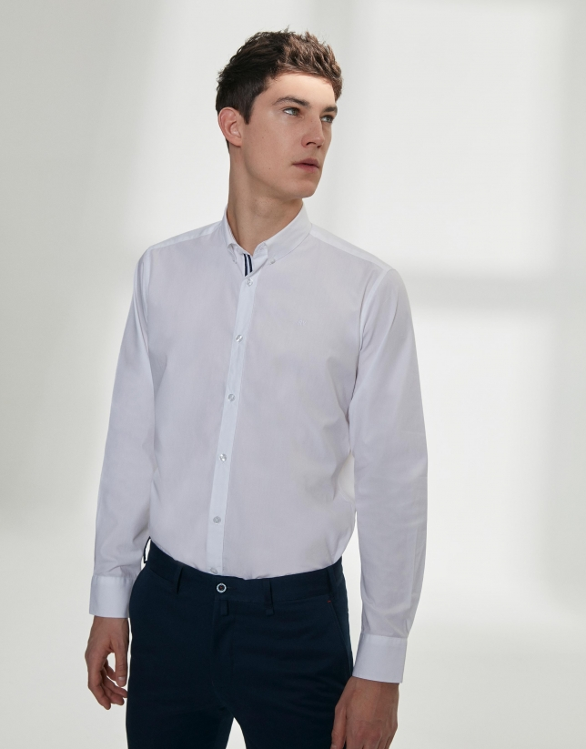 Chemise en popeline blanche avec ruban à rayures