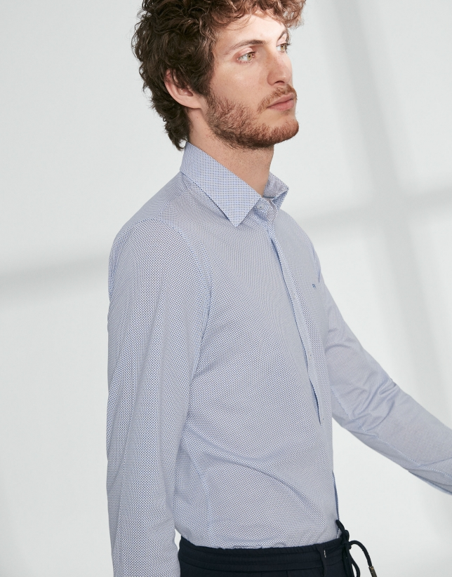 Camisa sport de punto estampado lunares azules