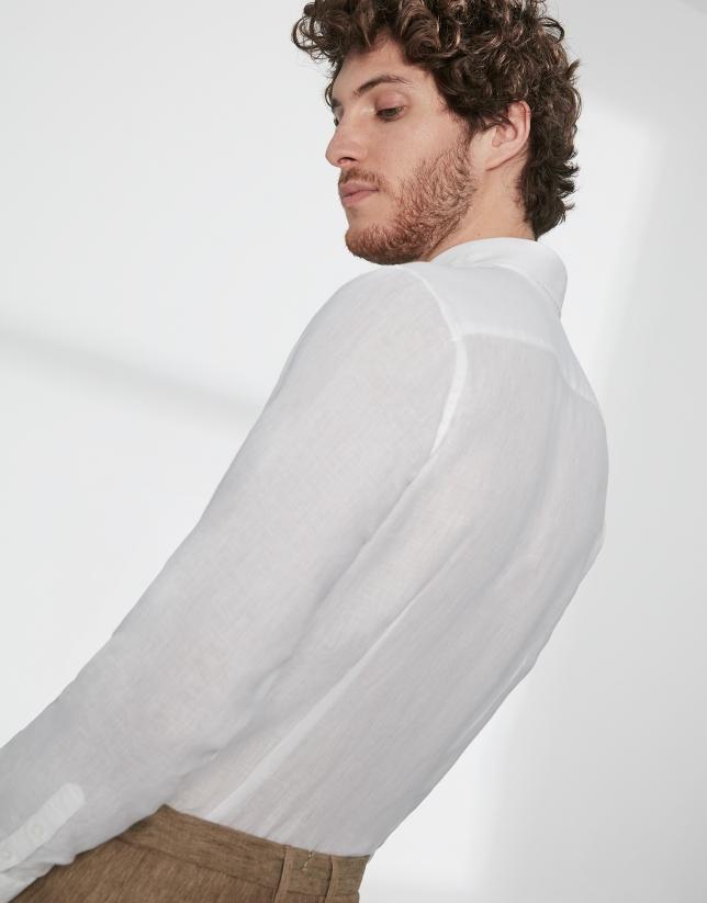 Chemise décontractée blanche en lin