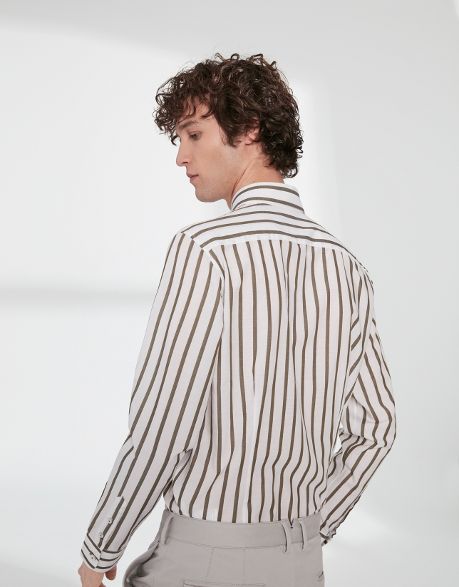Chemise décontractée à rayures kaki
