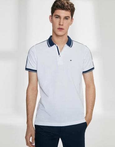 Polo en piqué de coton blanc avec des bandes en bleu marine