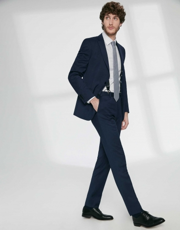 Costume bleu marine coupe droite en laine vierge
