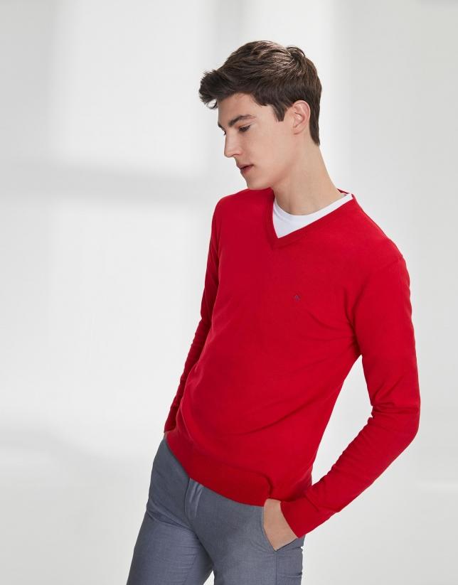 Pull à col V en coton rouge
