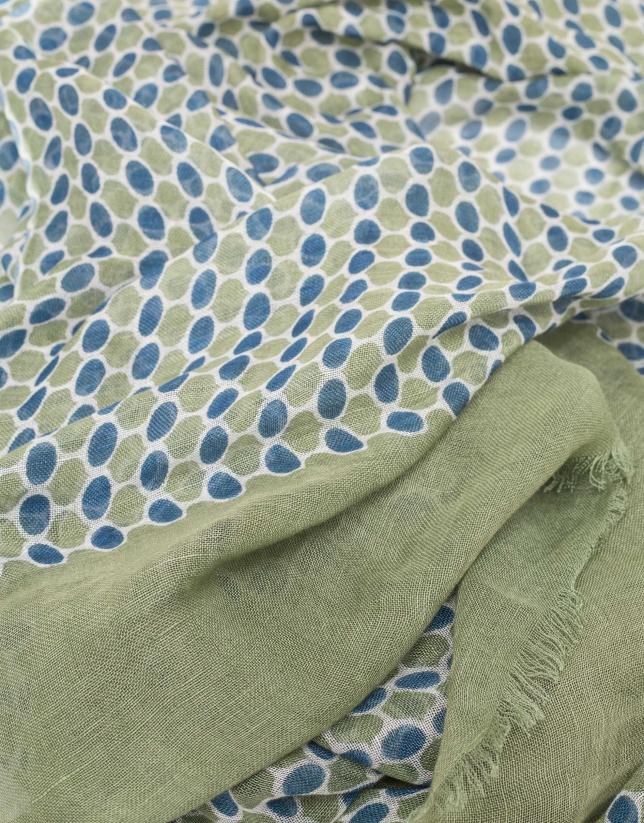 Fular estampado geométrico en tonos azul/verde