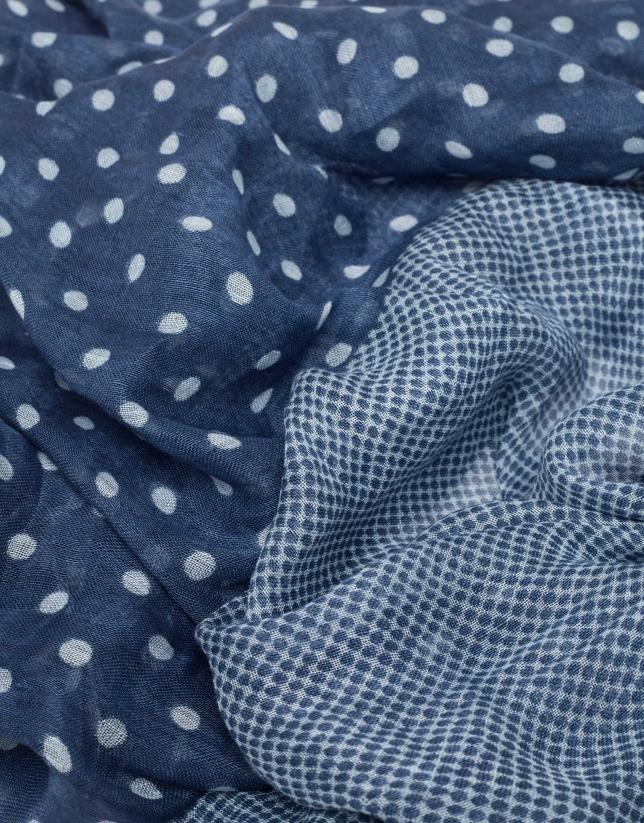 Foulard imprimé de pois dans les tons bleus