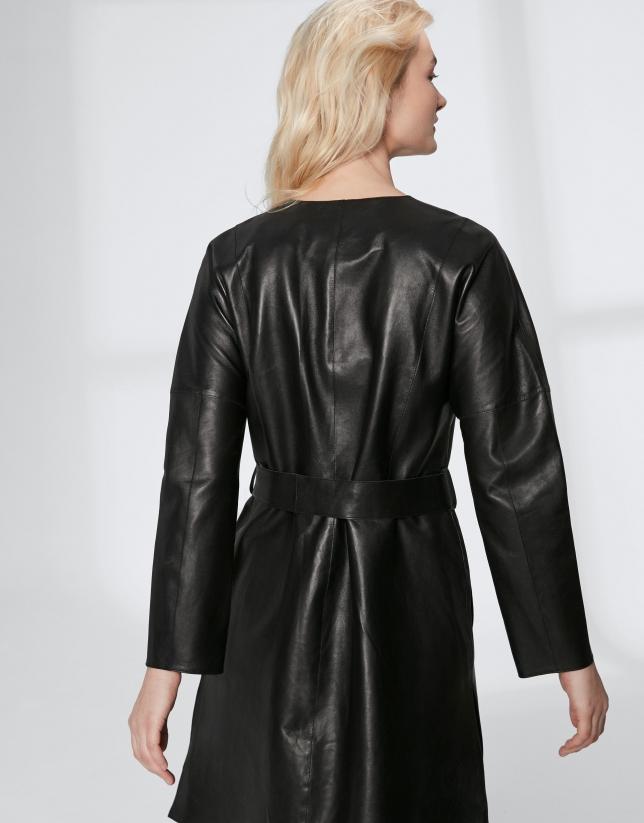 Veste longue en cuir caprin noir