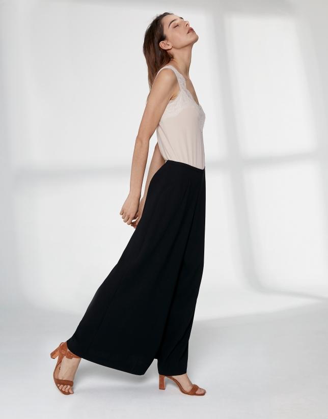 Falda larga color negro