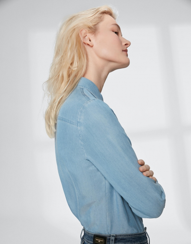 Chemise masculine en jean bleu