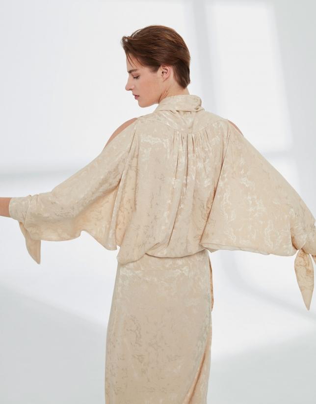 Robe longue en soie couleur vanille