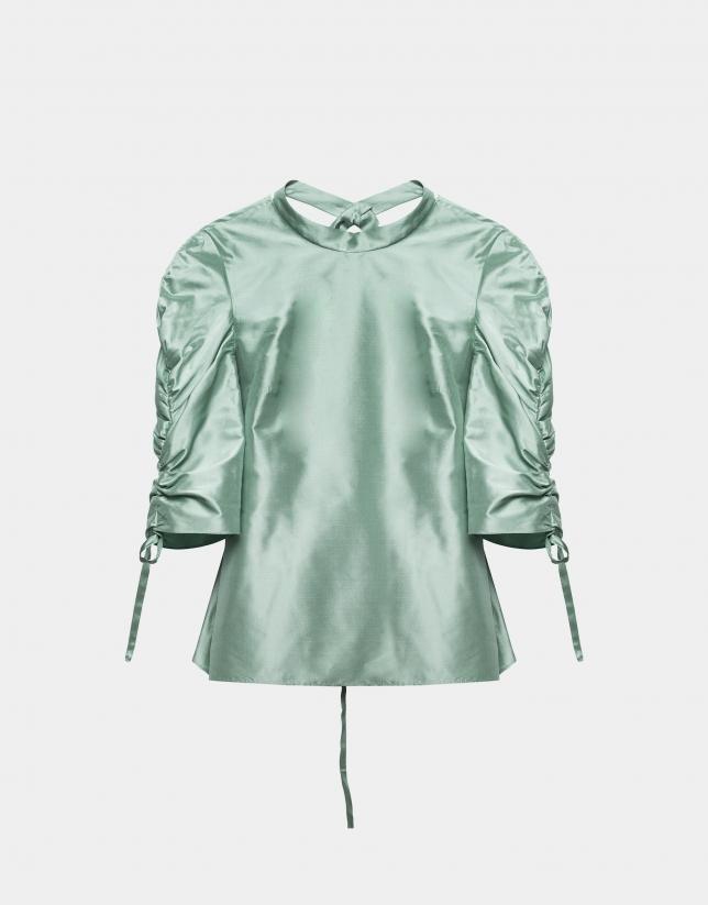 Chemisier vert pastel à manches plissées en soie