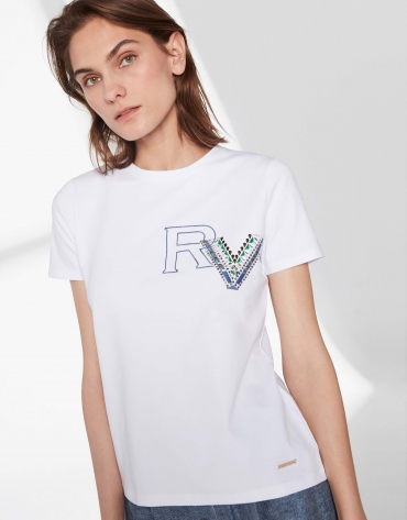 RV logo top with applique